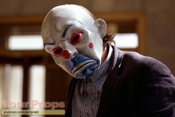 The-Dark-Knight-Joker-s-Bank-Heist-Mask-