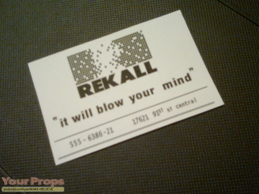 Total Recall replica movie prop