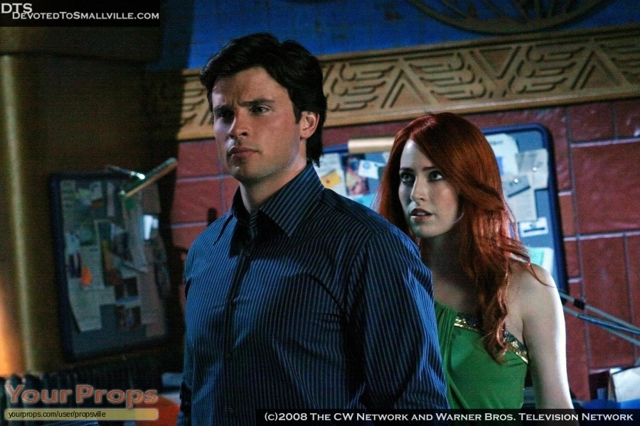 Smallville original set dressing   pieces