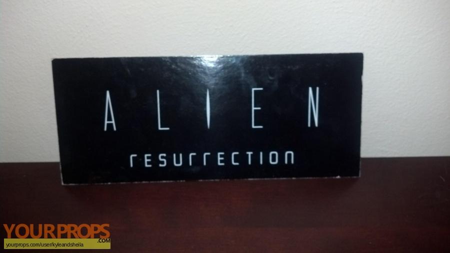 Alien  Resurrection original film-crew items