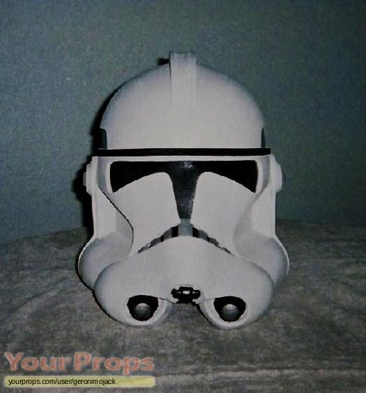 Star Wars  Attack Of The Clones replica movie prop