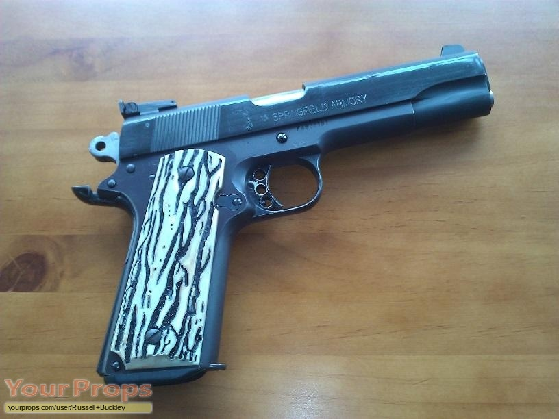 Seven replica movie prop weapon