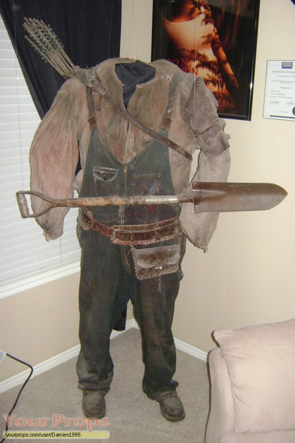 Wrong Turn original movie costume