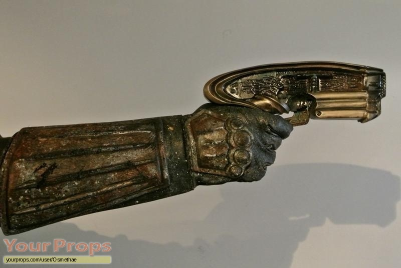 Riddick  Rule the Dark replica movie prop weapon