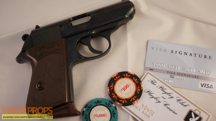James Bond  Casino Royale replica movie prop weapon