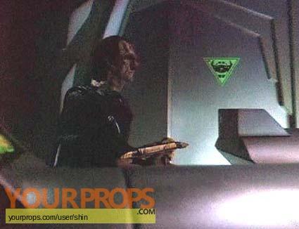 Star Trek  Deep Space Nine original set dressing   pieces