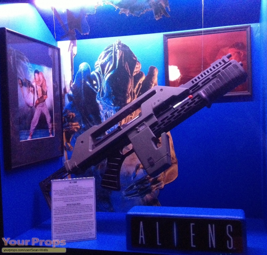 Aliens made from scratch movie prop weapon