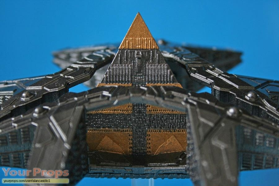 Stargate SG-1 replica model   miniature