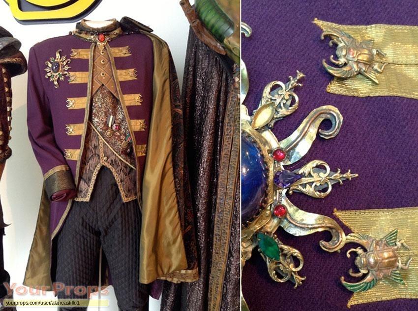 Babylon 5 replica movie costume