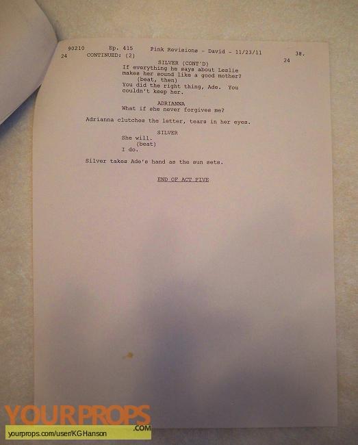 90210 (TV-Series) (2008-2013) original film-crew items