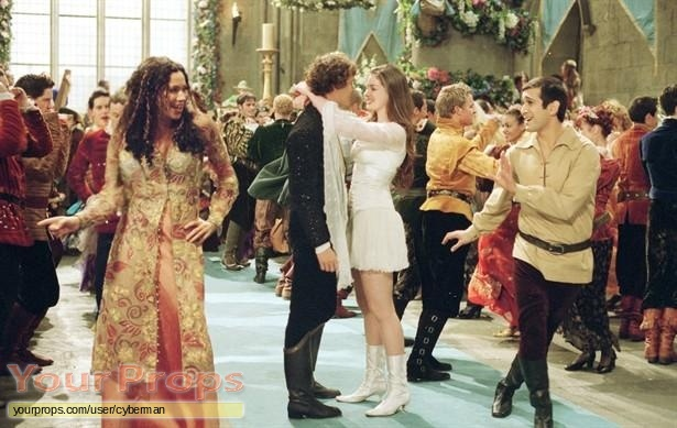 Ella Enchanted original movie costume