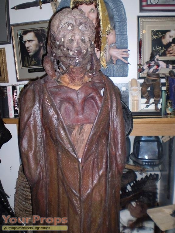 Mimic original movie costume