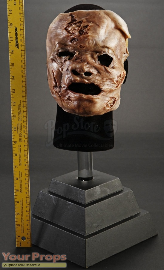 Texas Chainsaw Massacre 3D original movie prop