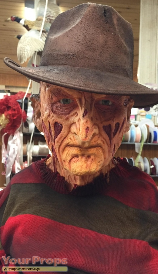 A Nightmare On Elm Street replica movie prop