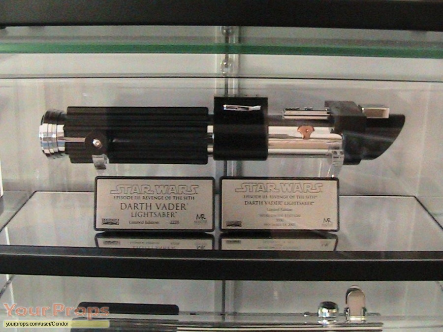 Star Wars  Revenge Of The Sith Master Replicas movie prop weapon