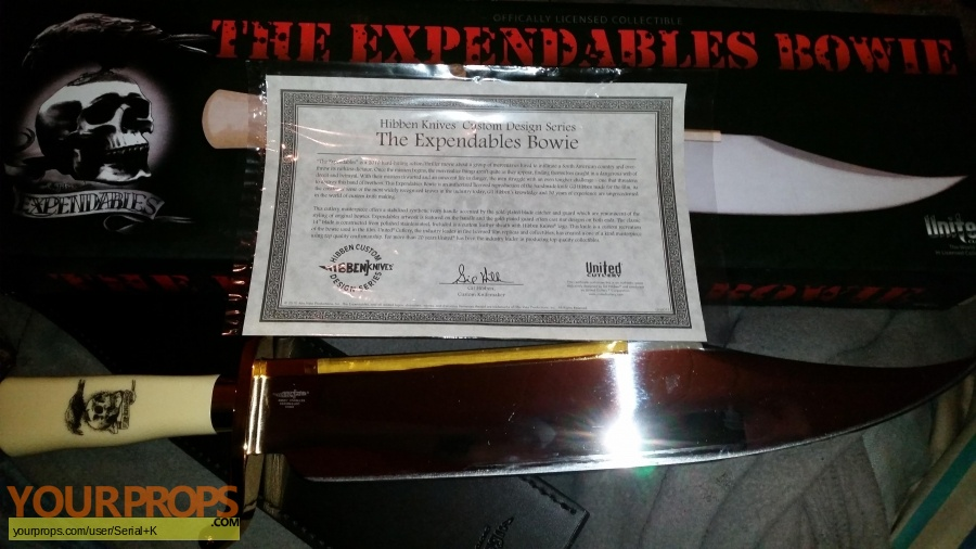 The Expendables United Cutlery movie prop weapon