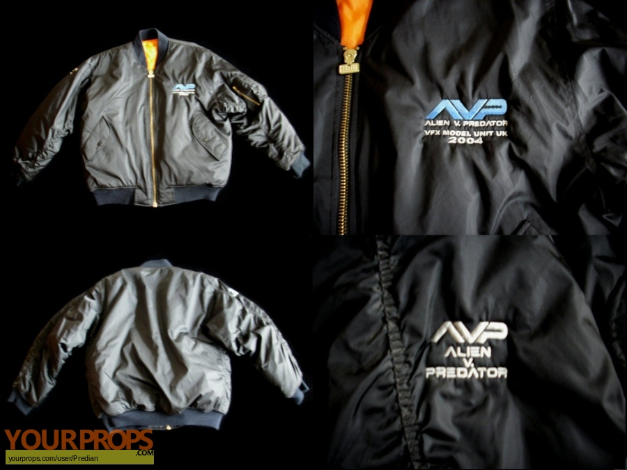 Alien vs  Predator original film-crew items