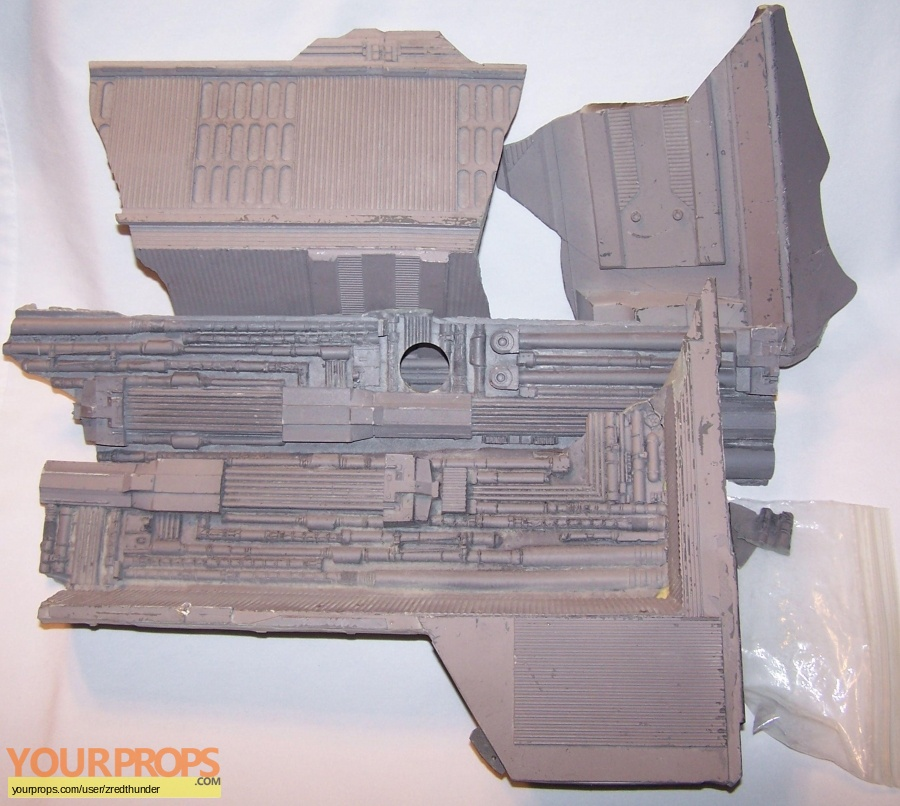 Star Trek  Insurrection original model   miniature