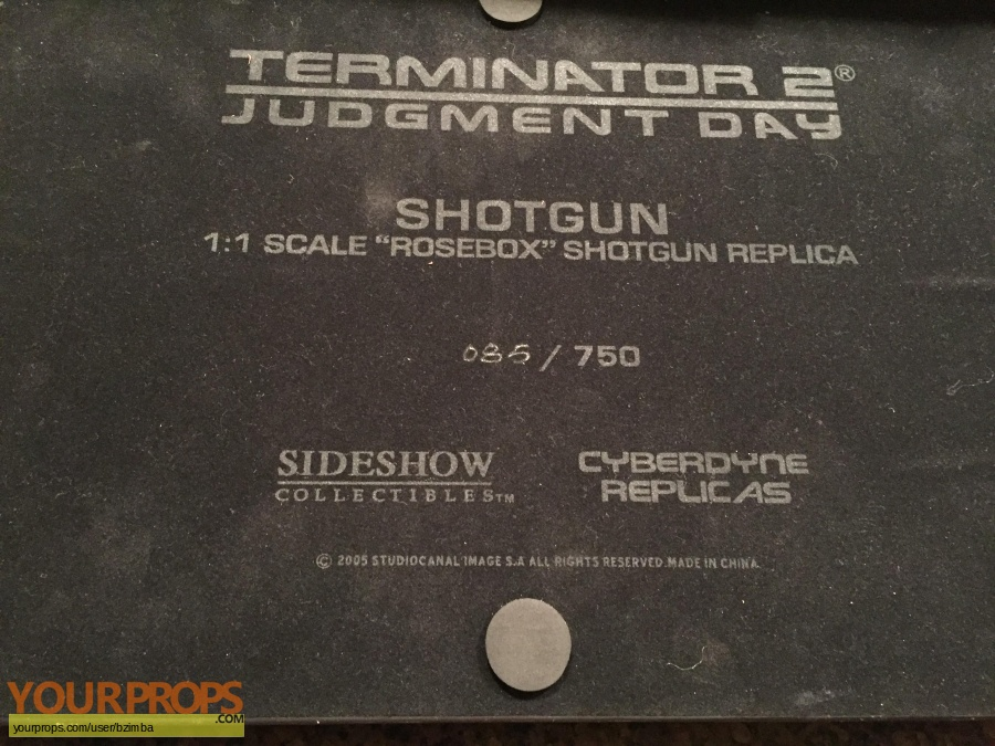 Terminator 2  Judgment Day replica movie prop weapon