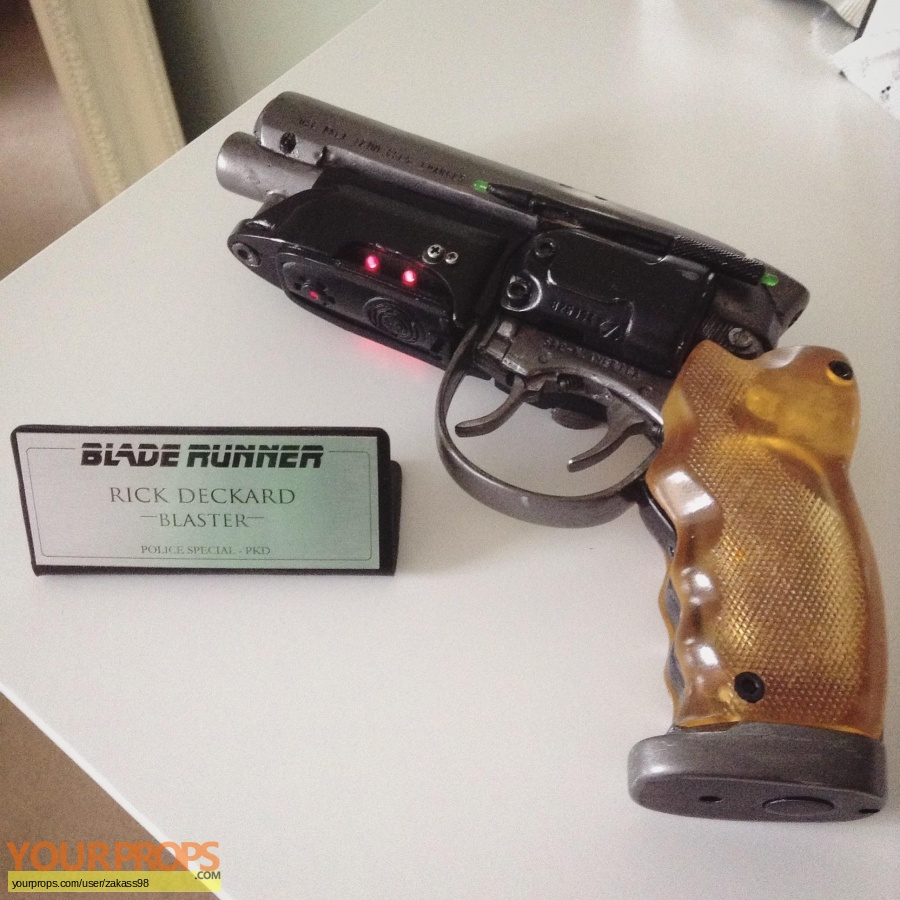 Blade Runner replica movie prop weapon