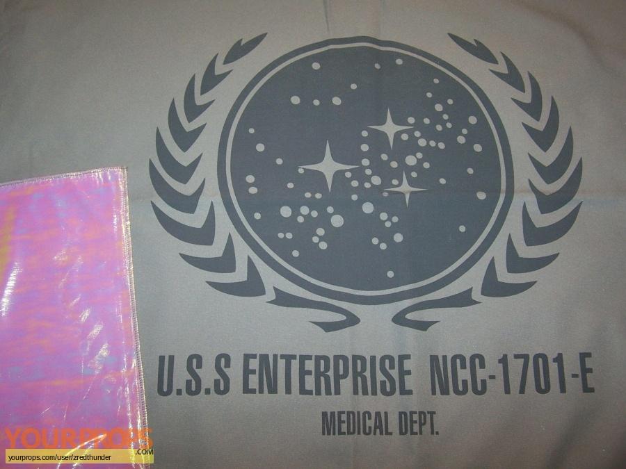Star Trek  Insurrection original set dressing   pieces