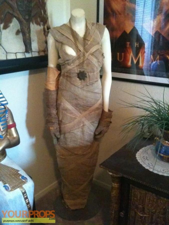 The Mummy original movie costume
