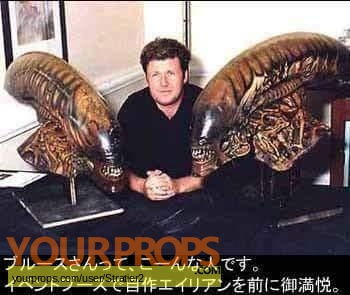 Alien  Resurrection replica film-crew items