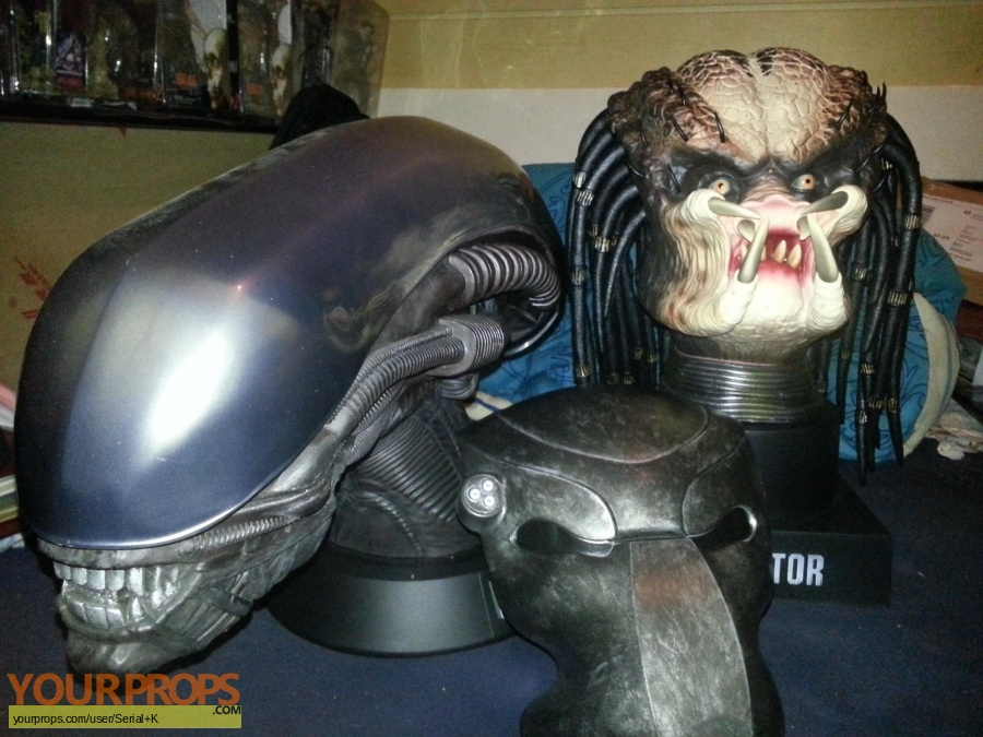 Predator replica movie prop
