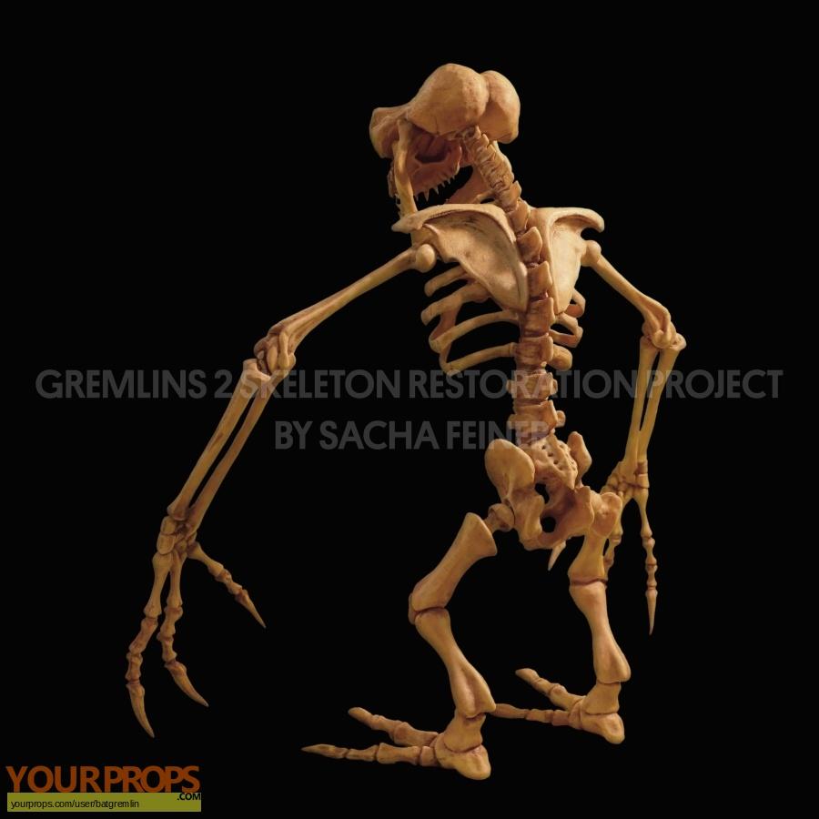 Gremlins 2  The New Batch swatch   fragment movie prop