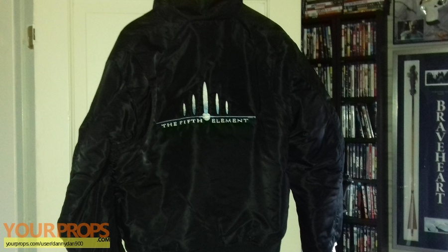 The Fifth Element (5th) original film-crew items