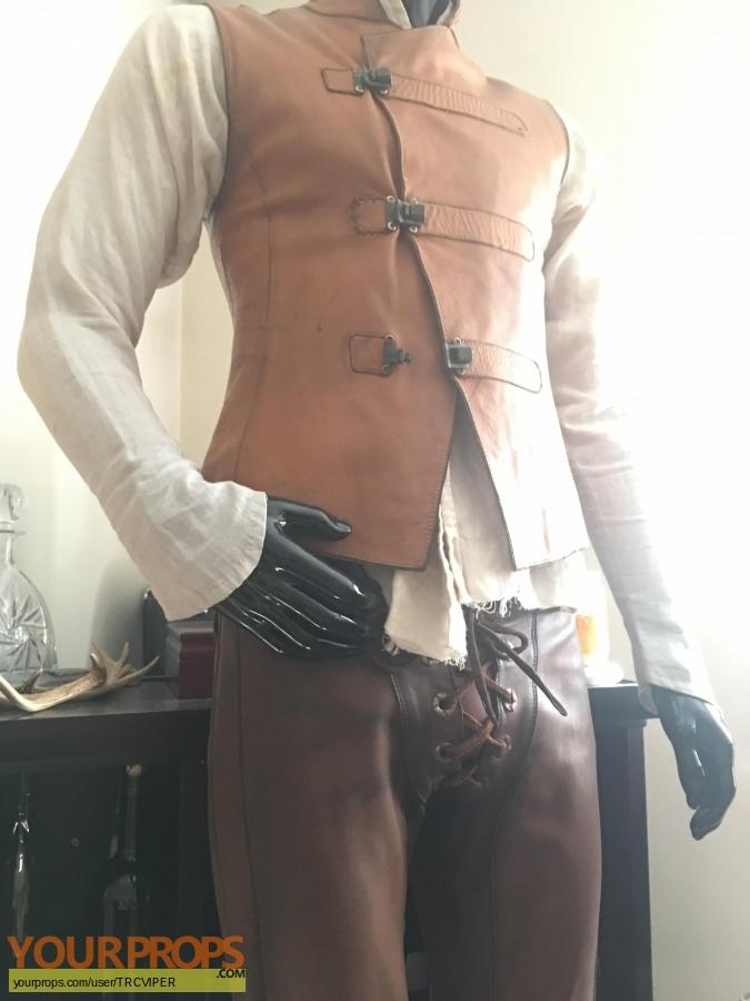 Eragon original movie costume