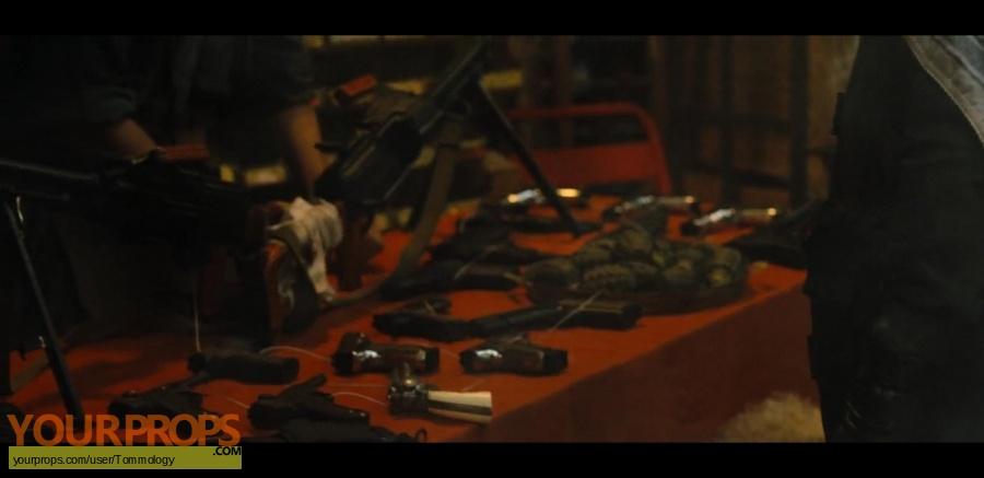 Jumanji  Welcome to the Jungle original set dressing   pieces