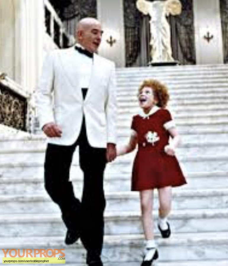 Annie original movie costume