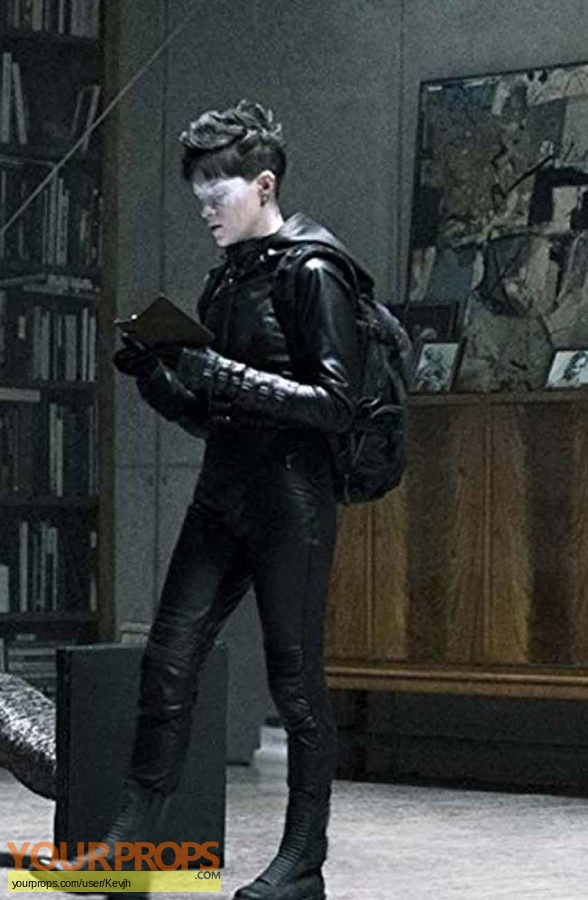 The Girl in the Spider web original movie costume