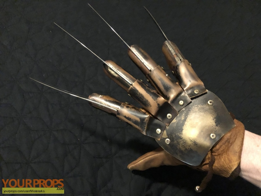 A Nightmare On Elm Street 3  The Dream Warriors Master Replicas movie prop