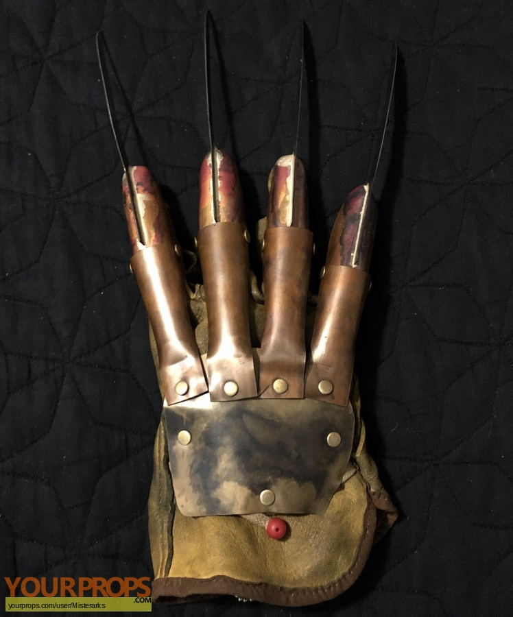 A Nightmare On Elm Street replica movie prop weapon