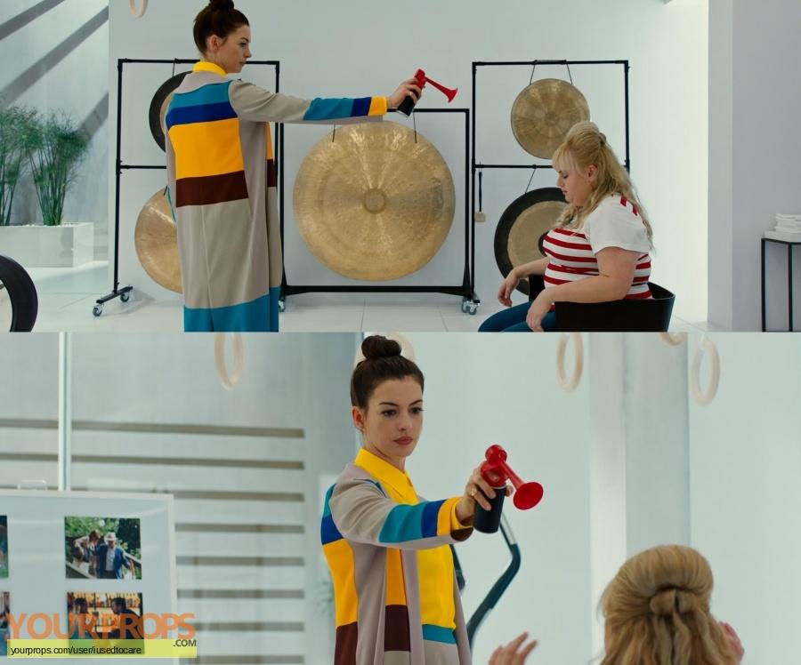 The Hustle original movie costume