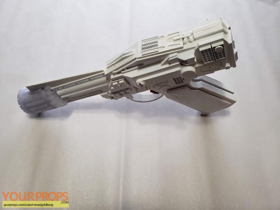 Battlestar Galactica made from scratch movie prop weapon
