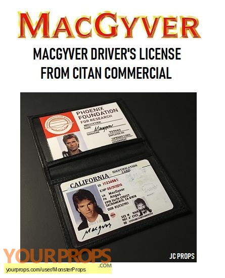 MacGyver replica movie prop