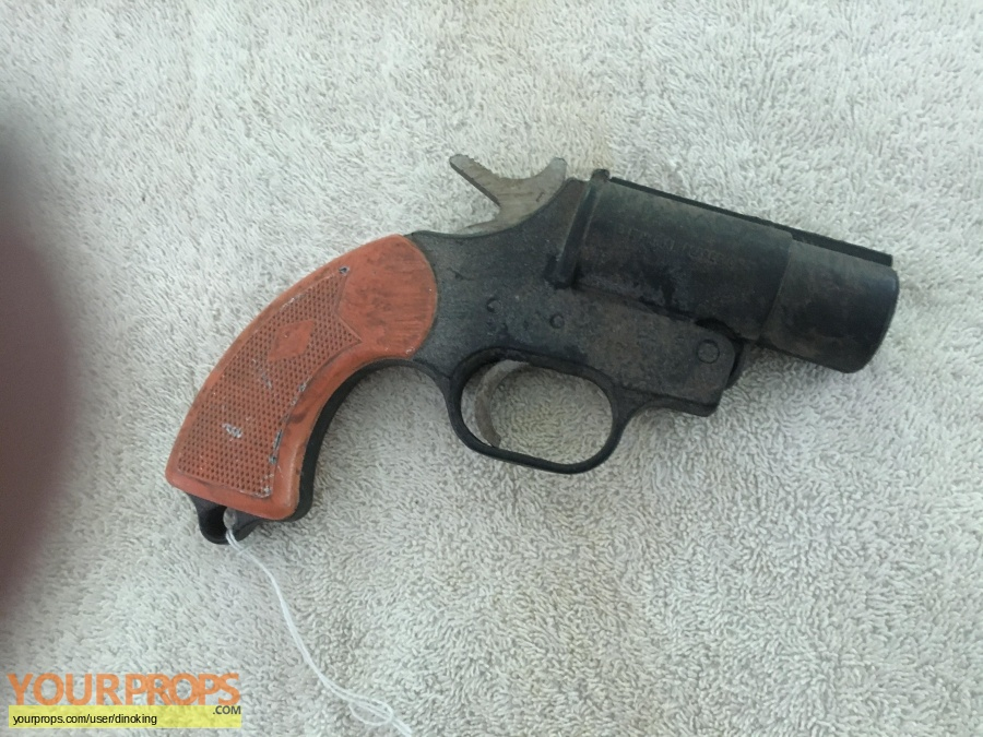 Jurassic Park 3 original movie prop weapon