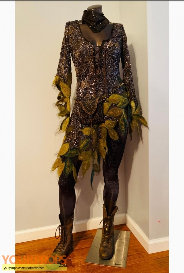 Once Upon a Time  (2011-2018) original movie costume