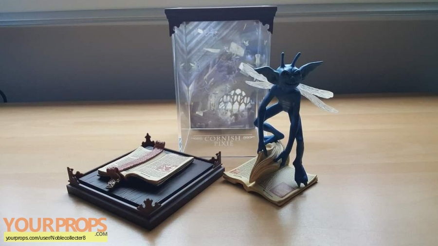 Harry Potter and the Chamber of Secrets The Noble Collection model   miniature