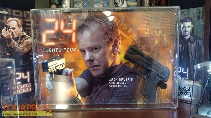24 original movie prop weapon