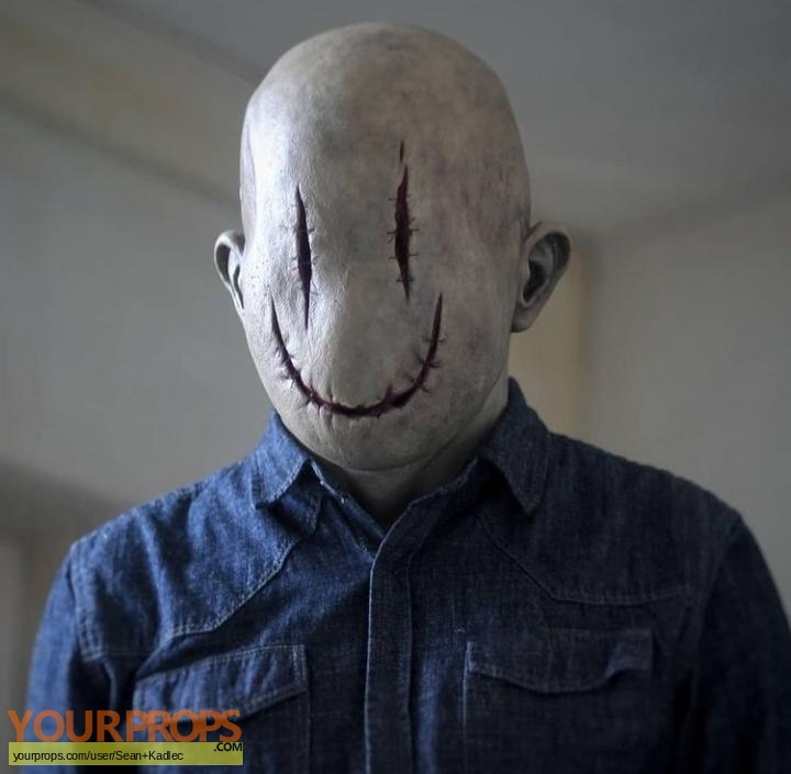 Smiley replica movie prop