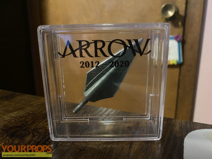 Arrow original set dressing   pieces