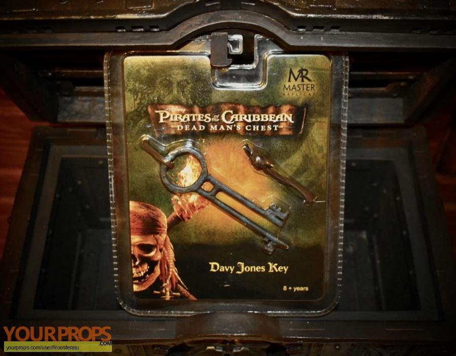 Pirates of the Caribbean movies Master Replicas movie prop