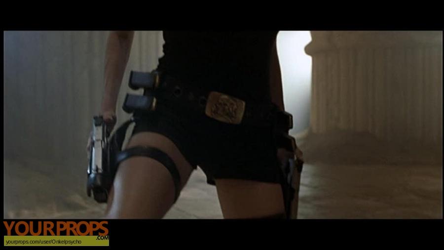 Lara Croft  Tomb Raider replica movie prop weapon