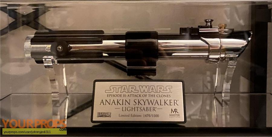 Star Wars Episode 2  Attack of the Clones Master Replicas movie prop