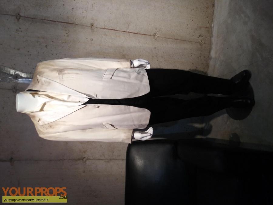 Johnny English original movie costume