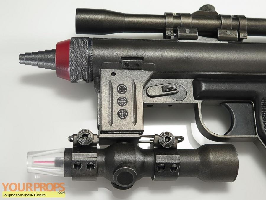Alien replica movie prop weapon